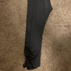Calia by Carrie Underwood Capri Leggings